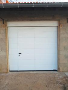 porte de garage blanche